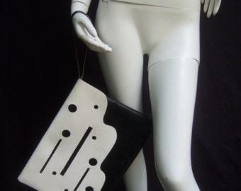 Mod Large Black & White Leather Clutch Bag c 1980s