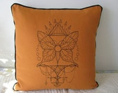 Talisman, Dreamcatcher, American Indian, Feather, machine embroidered pillow cushion cover. Prairie Style. Desert Style. Spiritual.