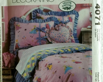 McCalls Home Decorating Girls Twin Bedding Fairy Funny Shams Quilt Bedskirt Sewing Pattern 4071 Uncut UC FF Valance Panels
