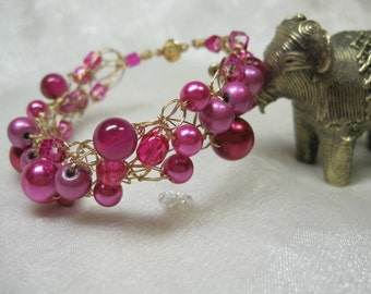 Hot Pink and Fuchsia Wire Crochet Bracelet, handmade beaded bracelet, bead jewelry