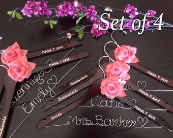 Set of 4---Personalized Hanger,  Custom Bridal Hangers,Bridesmaids gift, Wedding hangers with names,Custom made hangers