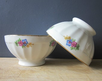 2 little vintage french Bowls - Porcelain France 1950 Birds Flowers Café au lait  Farm house Kitchen