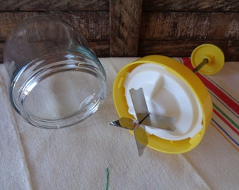 Vintage Manual Food Chopper Heavy Glass Jar and Yellow Plastic Retro Kitchen Tools Food Prep Cooking Cutting USA