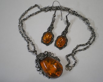 Vintage Sterling Silver Baltic Amber Necklace Pendant and Earring Set 20 Inches