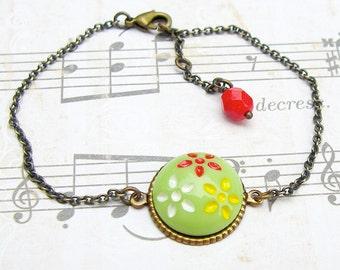 Daisy Trio in Spring Green - vintage glass button bracelet