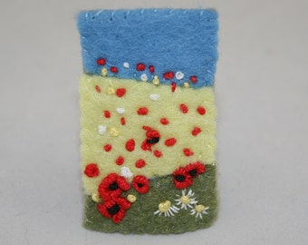 Embroidered Felt  Brooch - Summer Poppies stitched by Lynwoodcrafts