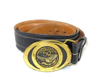 National Wildlife Federation vintage brown leather belt with embossed brass buckle - stitching detail - 34 M mens