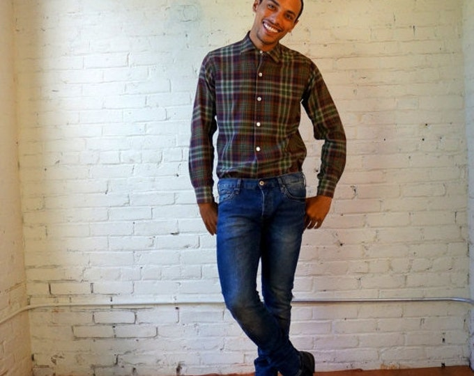 Wool Flannel Shirt 1950s Vintage Plaid Work Shirt Mens SMALL 14 14.5 Tartan Plaid Wool Cotton Blend 50s Outdoorsman Shirt Challa Cloth Cisco