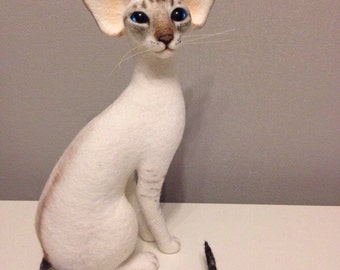 Custom Needle felted 100% wool . Siamese cat / Sculpture Memory Pet Portrait Pet replica stuffed cat