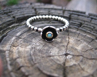 Adorable Vintage 925 Sterling Silver Opal and Enamel Flower Ring