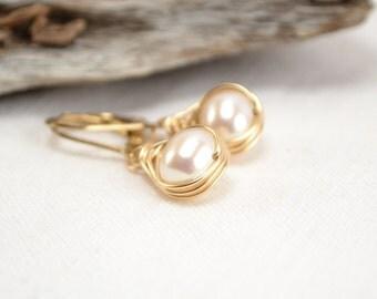 Pearls Earrings, Gold Pearl Earrings, Herringbone Wrap, Wire Wrap Earrings, Gold Filled, White Pearls, Freshwater Pearls, June Birthstone