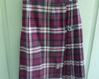 From Scotland TRADITIONAL KILT SKIRT in Clan Donald tartan 100%  wool Size 12
