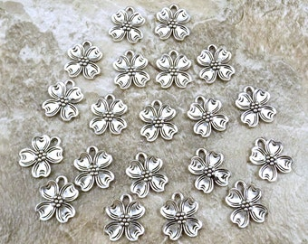 20 Pewter Dogwood Flower Charms - Free Shipping in the US - (0826)