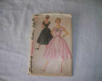1950s Simplicity Dress Pattern - 4969 - Size 14  - Cut Complete