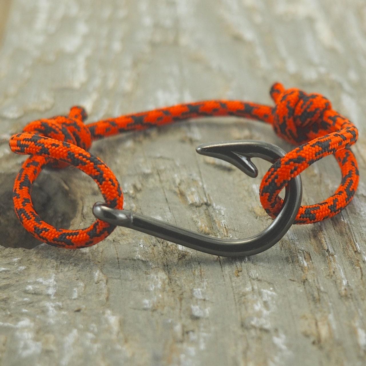 Fish hook bracelet paracord bracelet mens by designedturning for Mens fishing bracelet