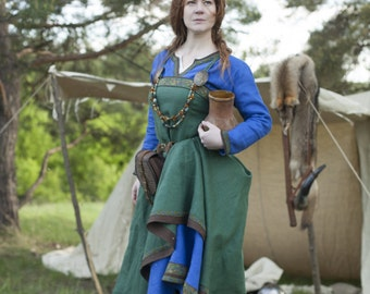 "DISCOUNTED PRICE! Viking Costume Dress and Apron ""Ingrid the Hearthkeeper""; Linen Tunic; Linen Apron; Medieval Costume"