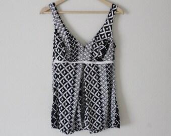 70's women's swimsuit top, tank top, black & white geometric pattern, D cup, medium