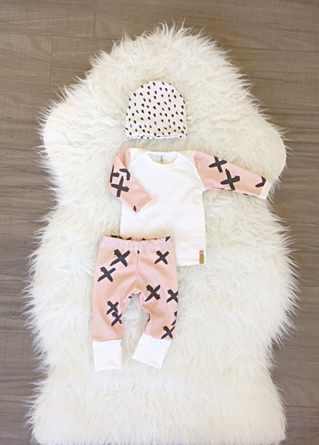 Baby Girl Coming home outfit Newborn organic baby by Londinlux