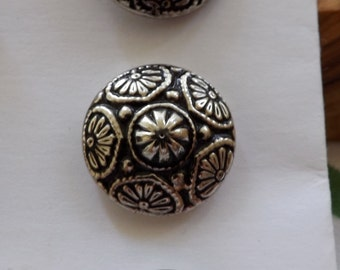 Vintage Nickel-colored buttons [L08]