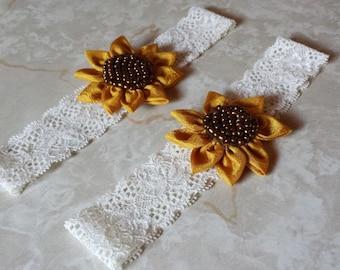 Sunflower Wedding Garter Set / Ivory garter  / wedding garters / bridal garter/ lace garter / vintage lace garter / Ivory