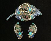 Juliana D&E Delizza Elster Montana blue rhinestone demi parure brooch earring set carved etched stones prong set collectible costume jewelry