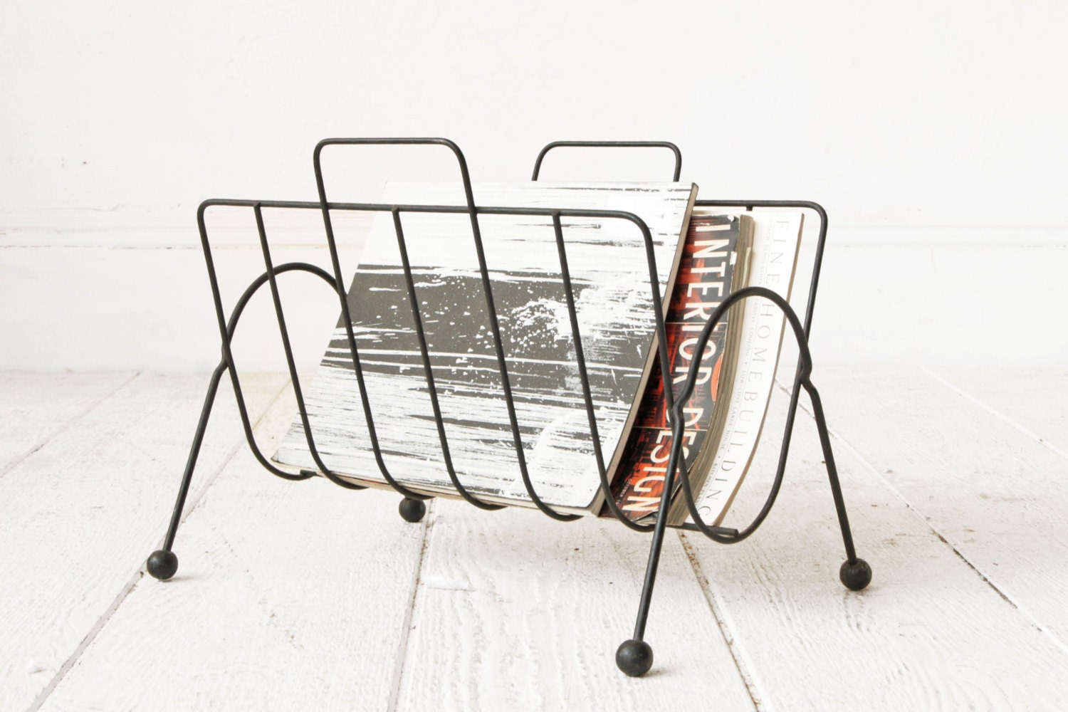 mid century wire magazine rack. Black Bedroom Furniture Sets. Home Design Ideas