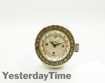 Benrus 1960's Swiss 17 Jewel Ladies Manual Ring Watch
