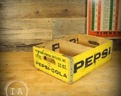 Vintage Wooden Yellow Pepsi Cola 32 oz Soda Crate Jonesboro Ark Bottle Storage