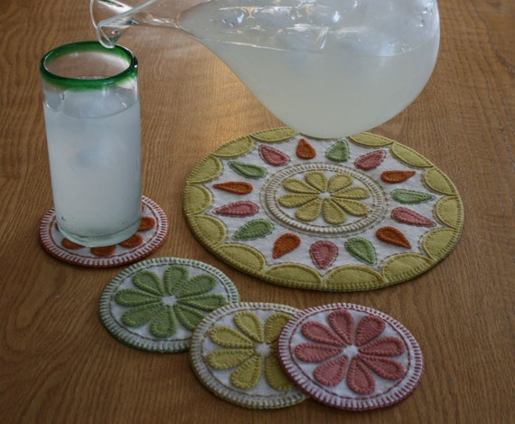 Summer delight pdf penny rug pattern wool felt applique for Penny coasters