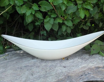 LENOX Ivory Oblong Serving Bowl w/Gold Rim / 15 x 5.5 inches / Lenox Gold Label