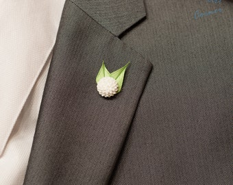White Dahlia Lapel Pin / Flower Lapel Pin / Chrysanthemum Lapel Pin/ White Lapel Flower