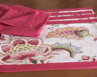 SALE-Set of 4 placemats and matching napkins
