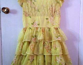 Adorable 50s yellow ruffle dress