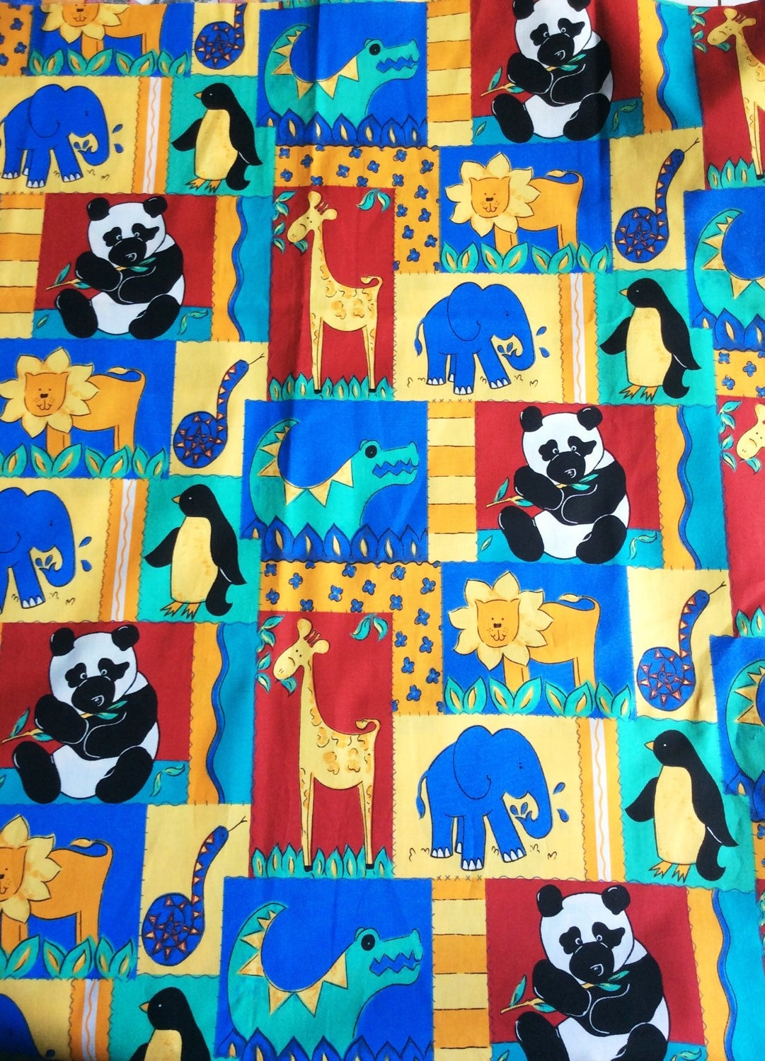 Childrens vintage fabric with a retro pattern with animals for Retro kids fabric