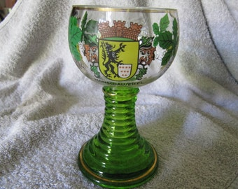 Wine glass with Crest and grapes