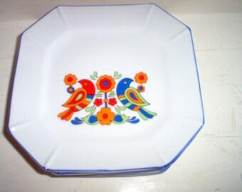Friendship pattern octagon luncheon, dessert, plates. Japan