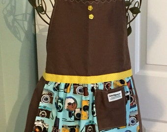 REDUCED ** Woman's Full Brown Camera Apron