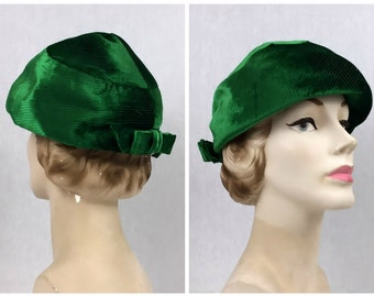 Kelly Green Hat - Union Made Ladies Hat - Vintage 1950s Green Velvet Hat by Carson Pirie Scott Chicago