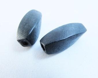 D-01955 - 2 Wood beads twist 30x12mm