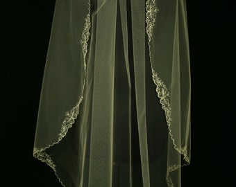 Bridal Veil - Shelia Wedding Veil - Wedding Mantilla - Lace Veil - Fingertip Length Veil - Layer Veil - Simple Lace Wedding Veil