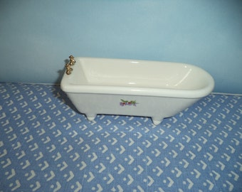 1:12 scale dollhouse miniature Porcelain Bathtub