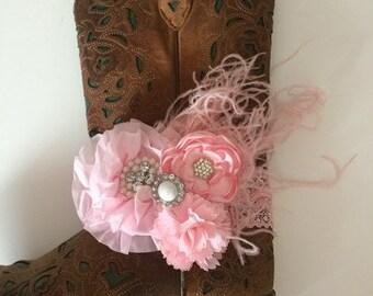 Light pink bridal boot braclet