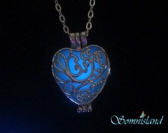 "Magic ""Glow in the dark"" Heart pendant"