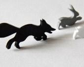 Fleet fox black brooch