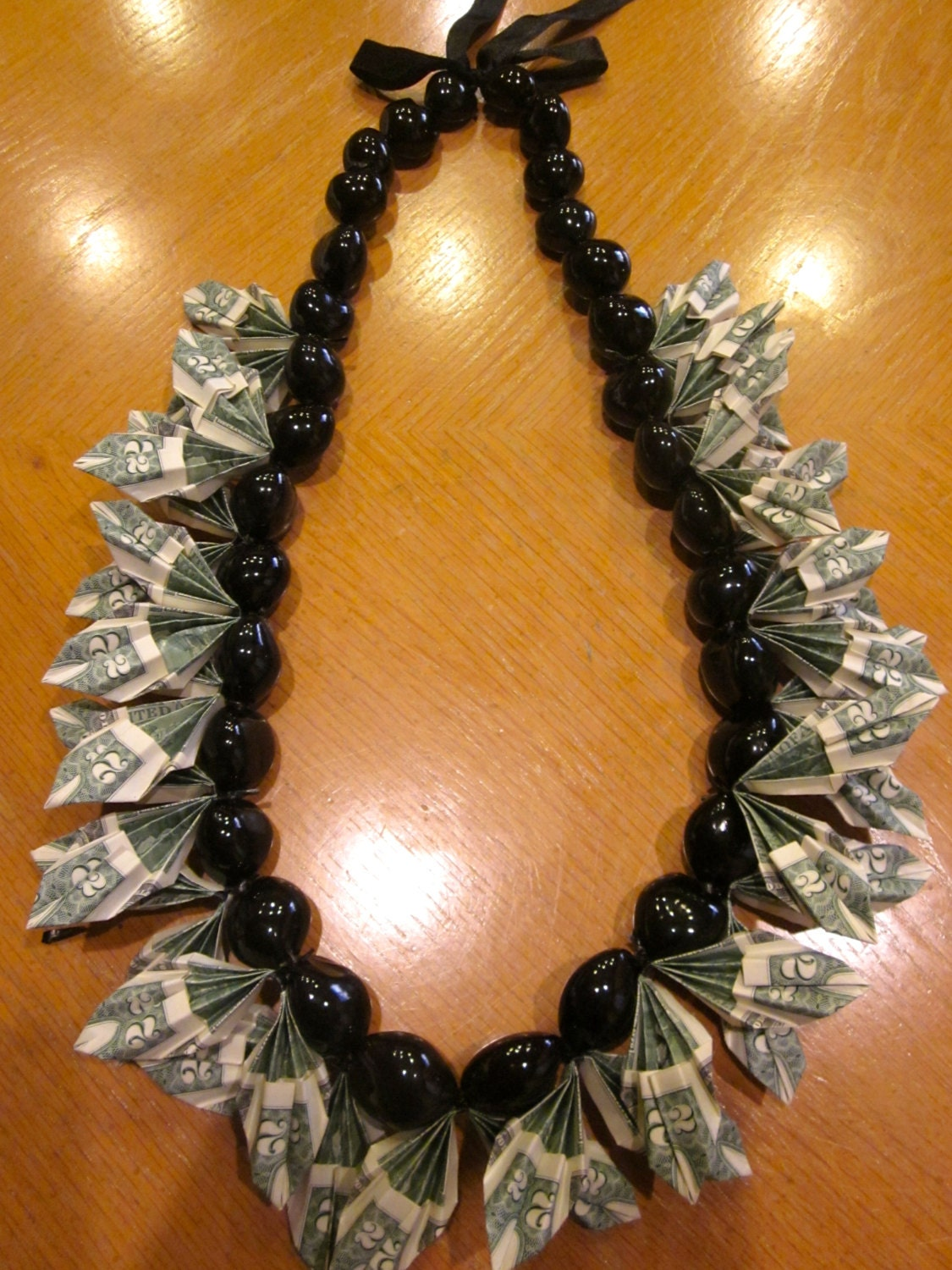 Lei Can Be Made With Construction Paper Yarn Solid: How Can I Make A Money Lei