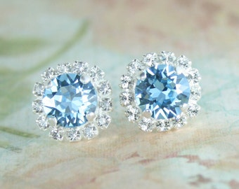 Aquamarine earrings,Blue crystal earrings,Blue Swarovski crystal earrings,Aqua wedding.Halo earrings,Halo stud earrings,Blue wedding jewelry