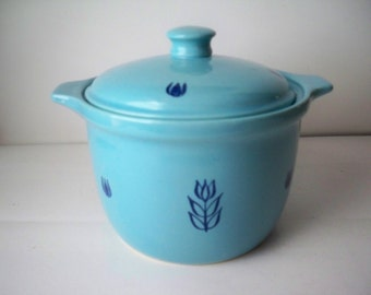 Vintage 1950s Country Kitchen Sky Blue Pottery Oven Bakeware Casserole or Crock Style Serving Dish or Canister made in USA