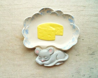 Sleeping Mouse CHEESE Dish- Unique Cheese Serving Plate- Mouse Dreaming of Cheese-Vintage Cheese Serving Dish
