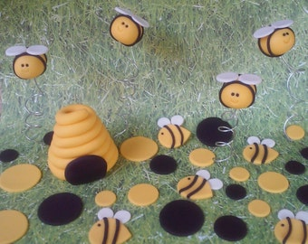 Fondant Neehive, Bees and Polka Dots Cake Set