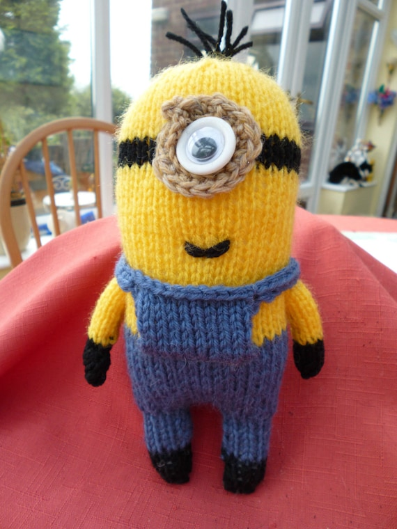 Knitting Pattern Minion Despicable Me : Hand Knitted Despicable Me 1 eyed Minion